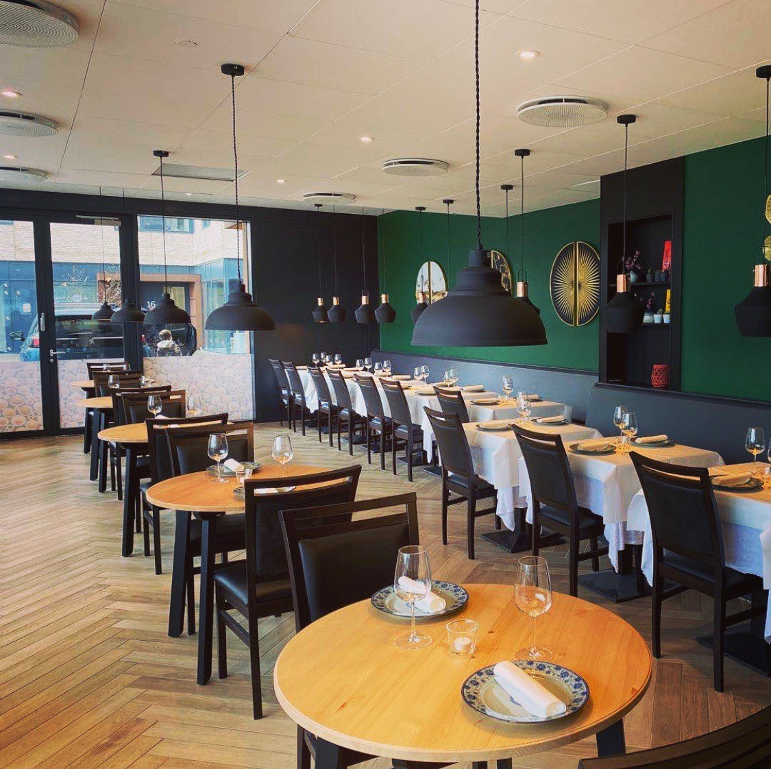 Restaurant Photo2