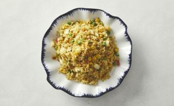 Gylden ris med karry